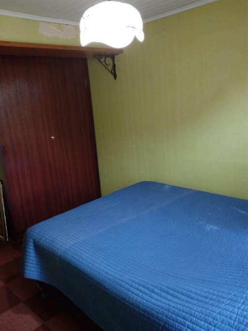 Habitación con closet