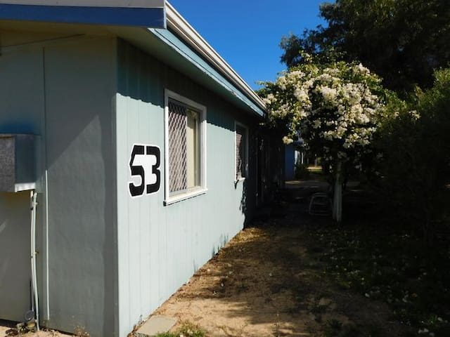 53 BASHFORD ST TOP SPOT JURIEN BAY