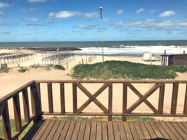 Hermosa casa/cabaña con vista al mar. Unica!