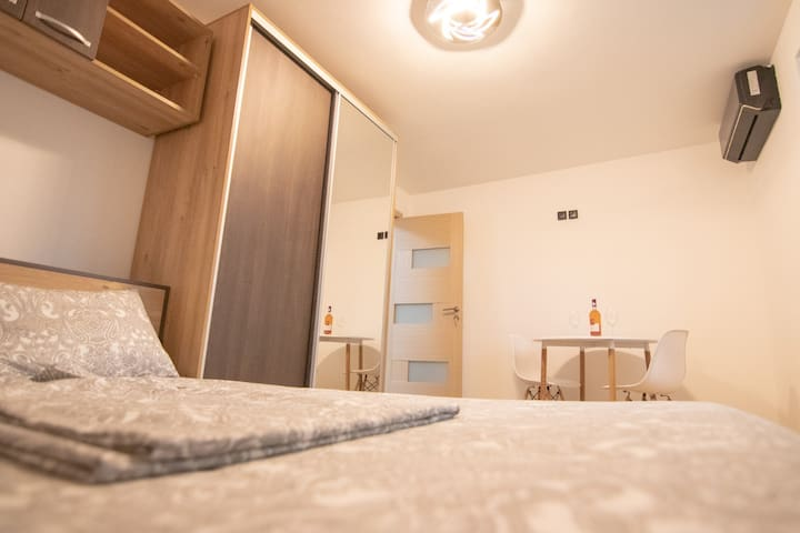 Brandnew apartment, easy to reach all major points