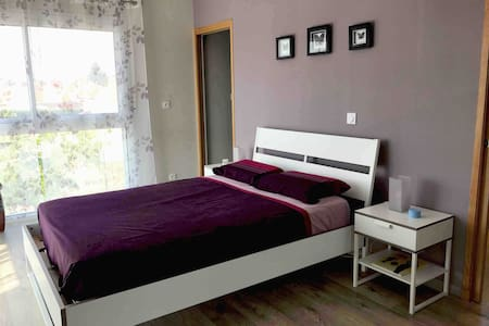 Chambre double avec salle d'eau à Roanne (42)