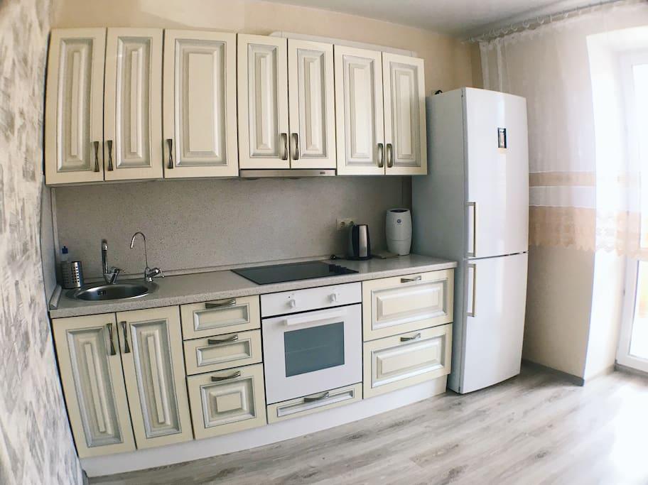 Кухня, холодильник, система очистки воды