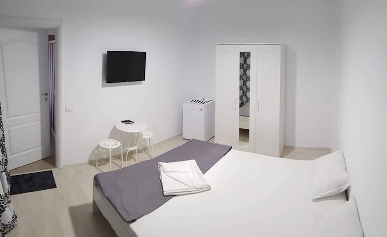 Camera dublă 2 - vila Raelma