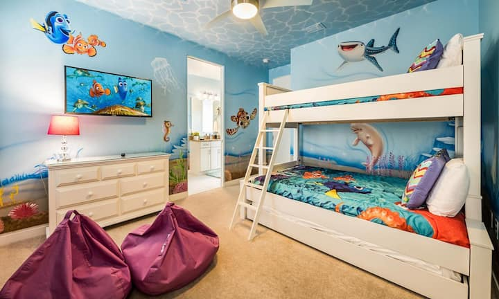 Modern 5 Bdrm Villa with Fun Themed Bedrooms at Reunion
