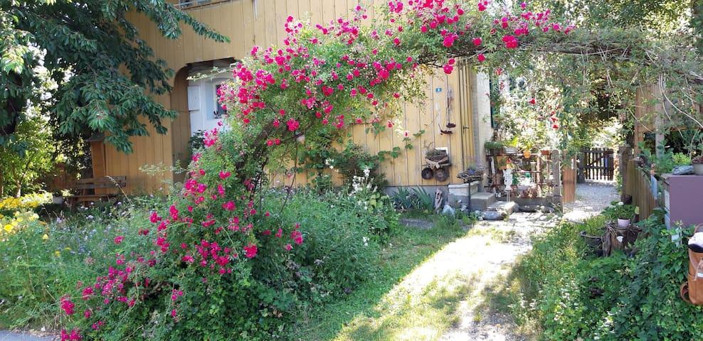 Charmantes Haus mit 4 schönen Zimmern und Garten