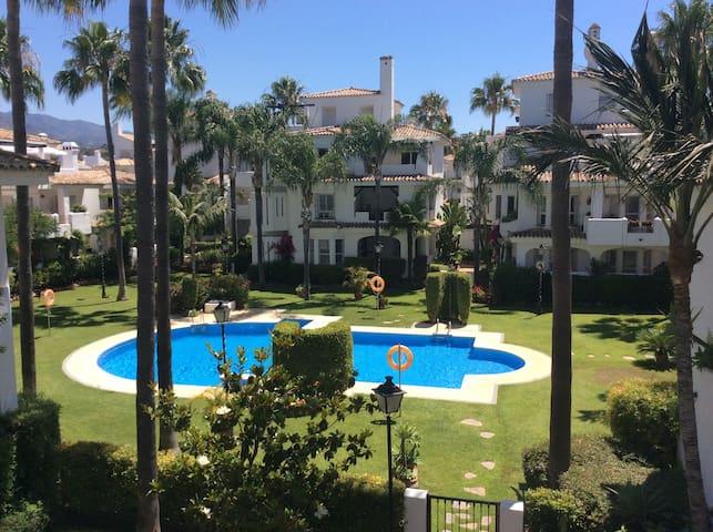 Puerto Banus welcomes you - Duplex House