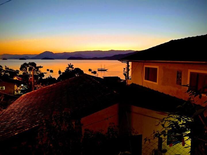 Casa com bela vista em Picinguaba