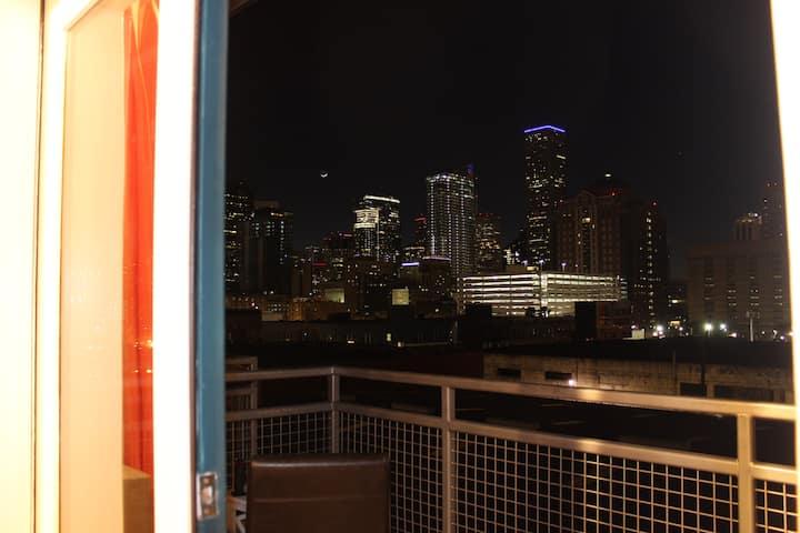 Downtown Loft for Superbowl