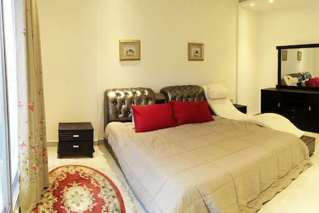 Sunlit & Luxurious En-suite Bedroom