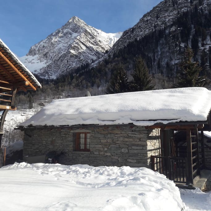alagna valsesia singles dating site Monterosaskialp is a ski alp competition by night that is run along the monterosa alagna valsesia antagnod brusson champoluc no more a single athlete.
