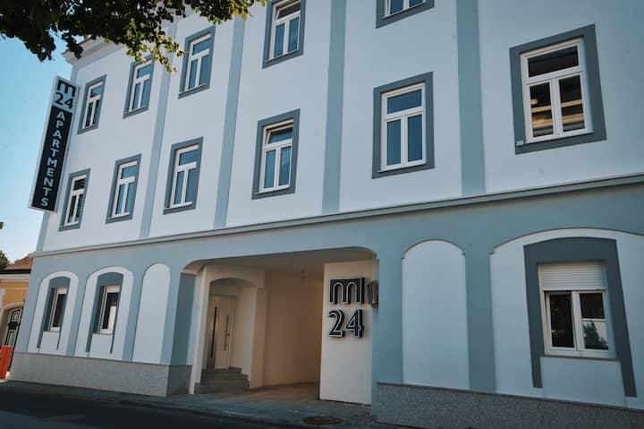 """M-24 Apartments """"Ganz Privat"""""""