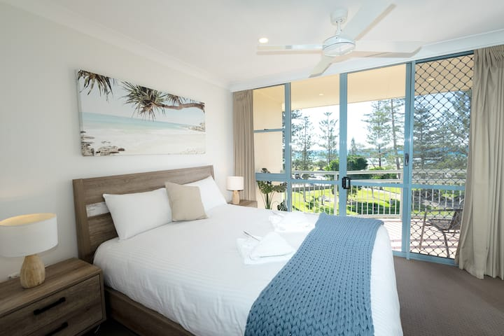 Absolute Beachside Kirra Bliss - Best Location