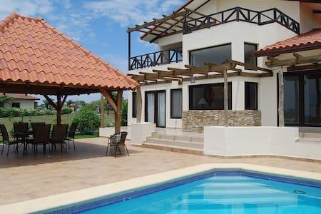 Spacious Oceanview 3BR Villa w/private Pool