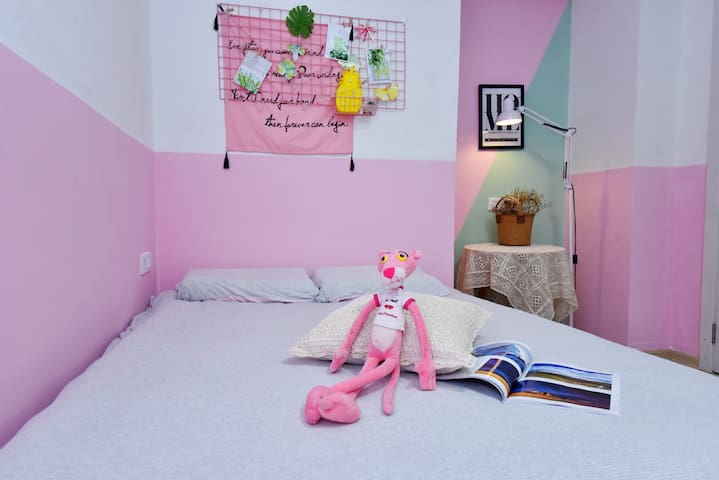 开元寺旁一位摄影师的家,陌上樱花INS风格带阳台大床房