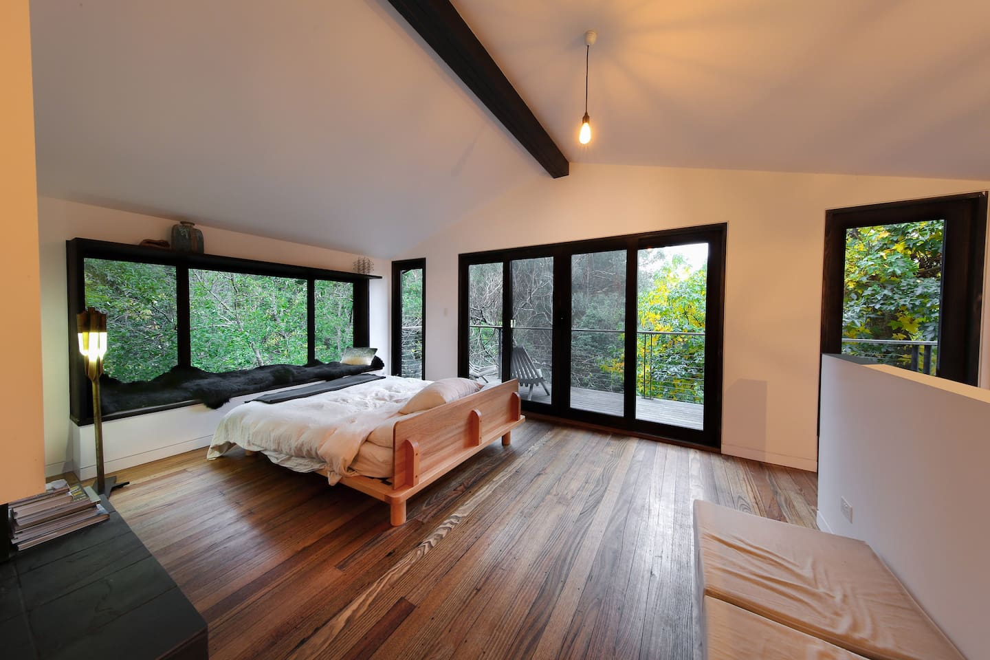 Wake up in stunning panoramic view of the Mount Donna Buang bush.