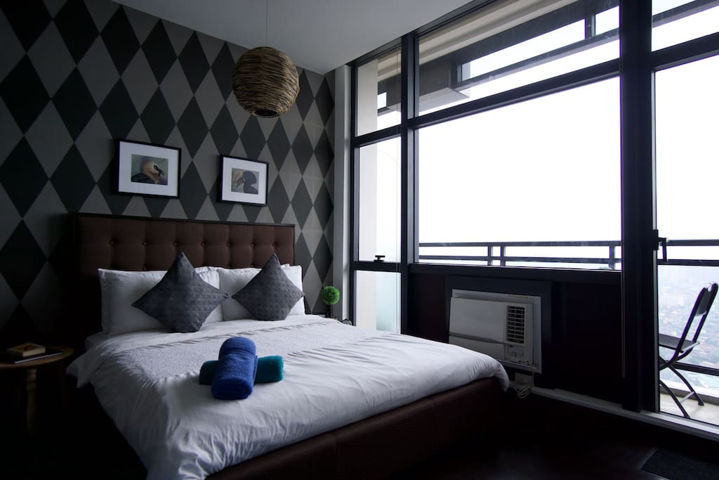 Relax in the bed with the breathtaking view in your side.