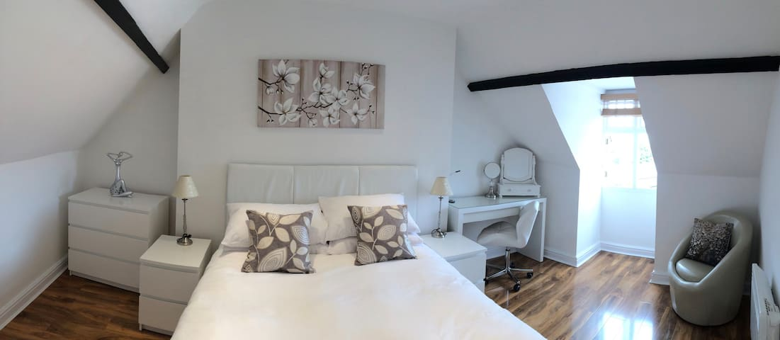Betjeman Apartment in the Heart of Old Town - Swindon - Appartamento