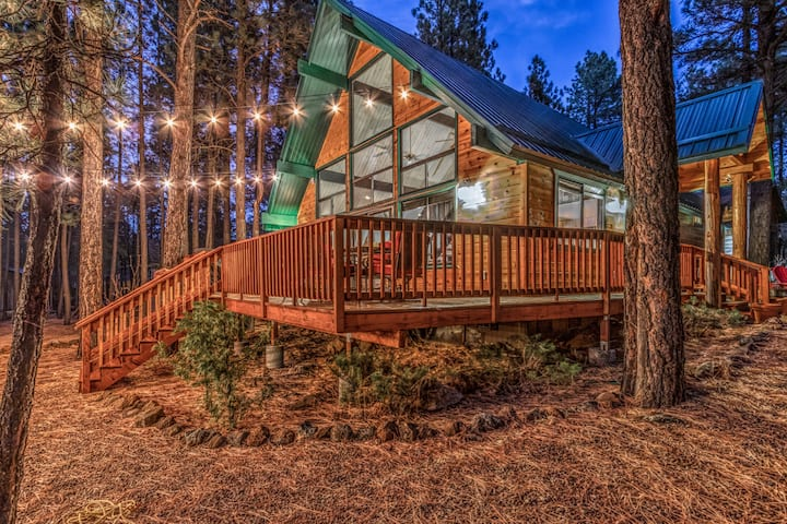 Christmas Tree Cabin- Beautiful Cabin in the Pines