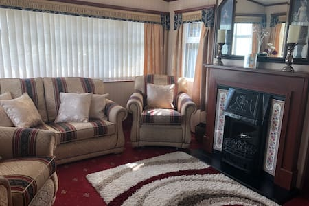 The Beachside Snug- luxury caravan by the sea
