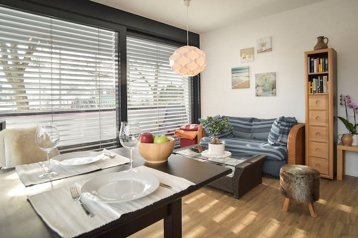 ٭Bright & Modern, a Base Camp for every Traveller٭ - Tübingen - Leilighet