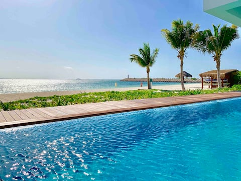 1bdr apartment Beautiful sunsets and private beach