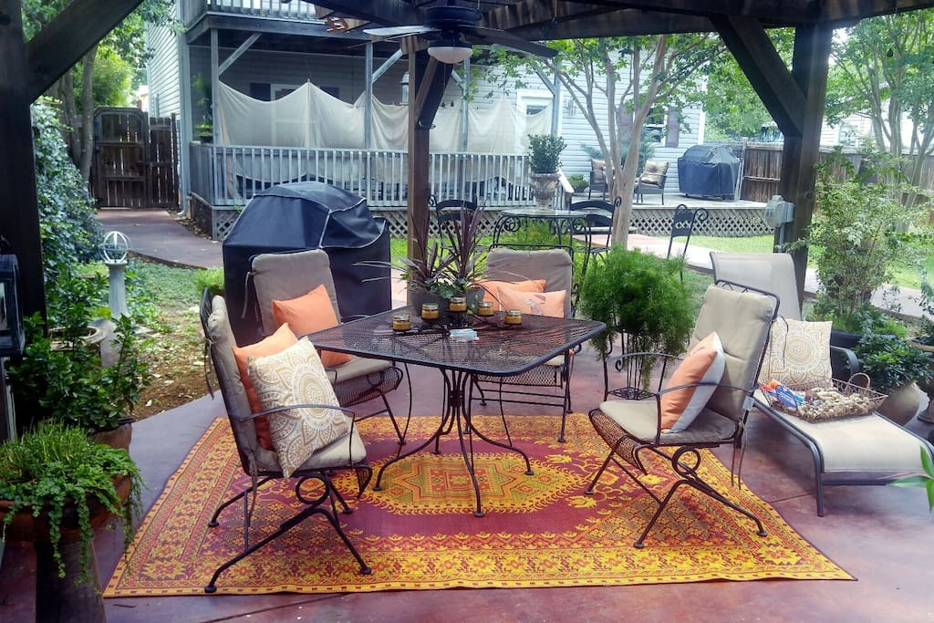 Updated Outdoor Decor ** We respect our guests privacy & we DO NOT use the backyard while it is rented to you. ;)