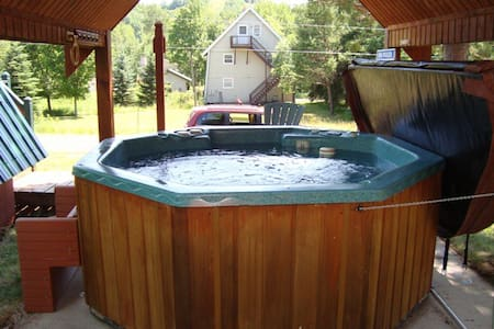 Hot Tub! - Fireplace! - 2 BR A-Frame - Powderhorn