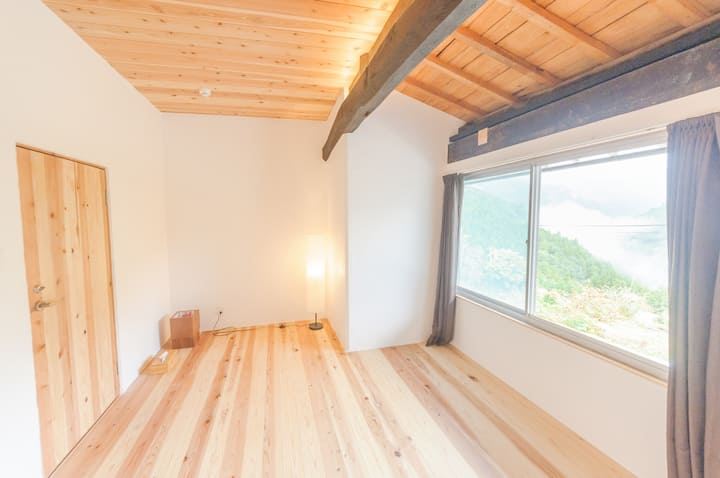 Renovated old traditional house : flooring room