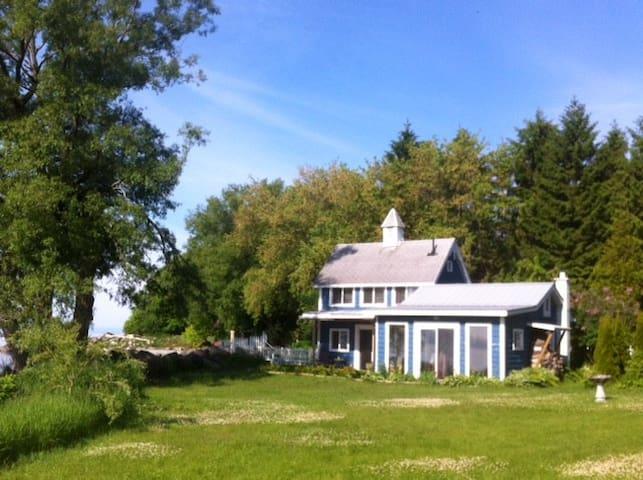Boat House Cottage on Lake Ontario - Alnwick/Haldimand - Houten huisje