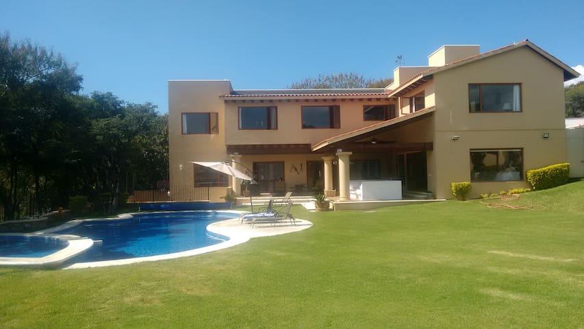 Casa en Ixtapan de la Sal, Gran Reserva - Ixtapan de la Sal - House