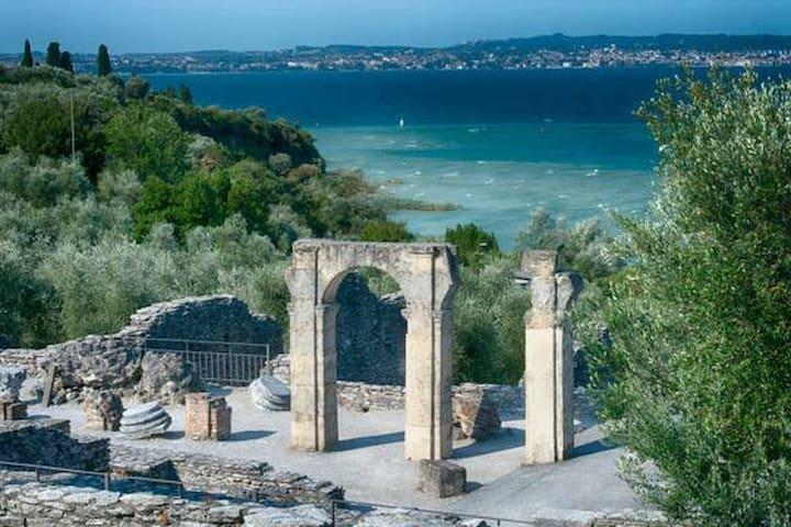 Grotte di catullo Roman ruins