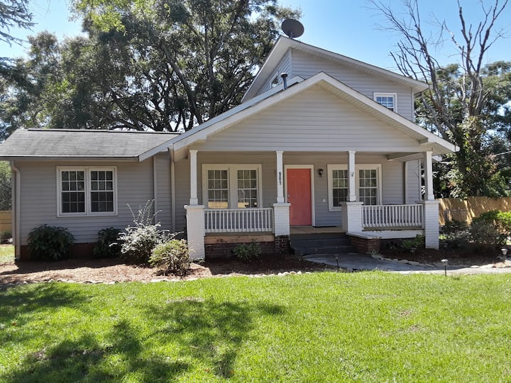 Sleeps 8, 10 minutes to DT Greenville, TR, & Greer
