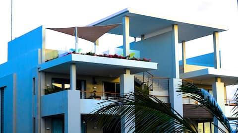 NEW 5* 160m2 Ultra Mod Exec. Resort- next to Beach
