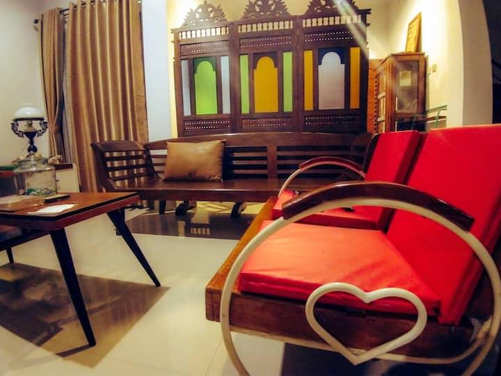 Kayu Coklat gallery and Homestay