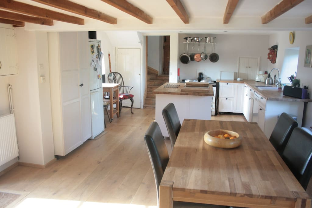 Fabulous country kitchen for culinary treats