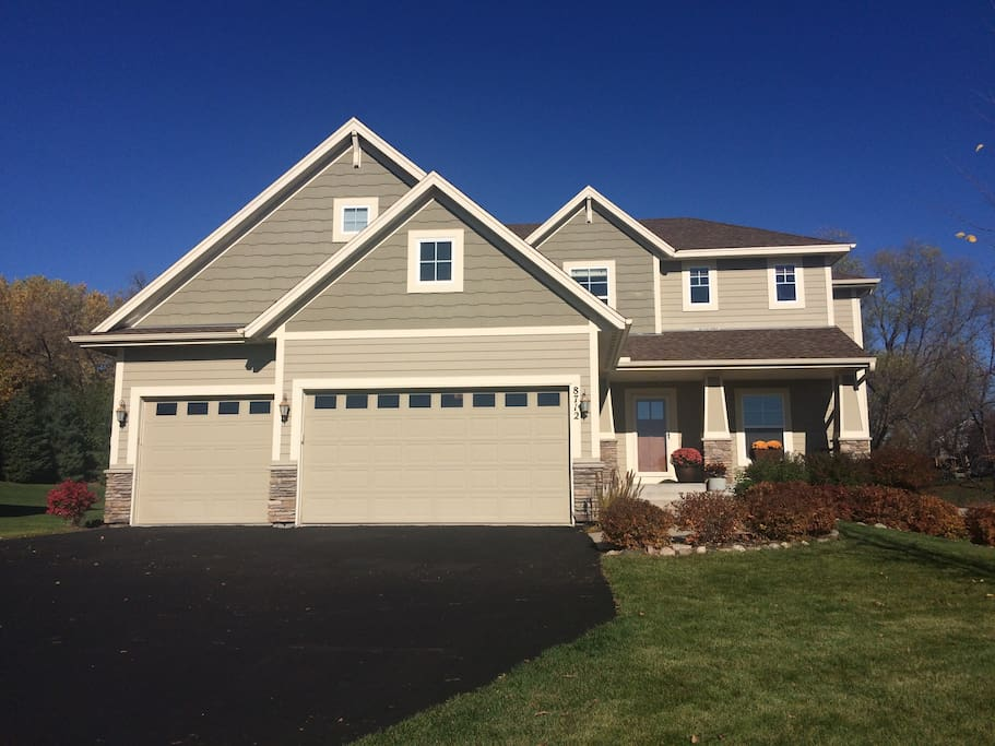 Four Bedroom Ryder Cup Home Houses For Rent In Chanhassen Minnesota United States