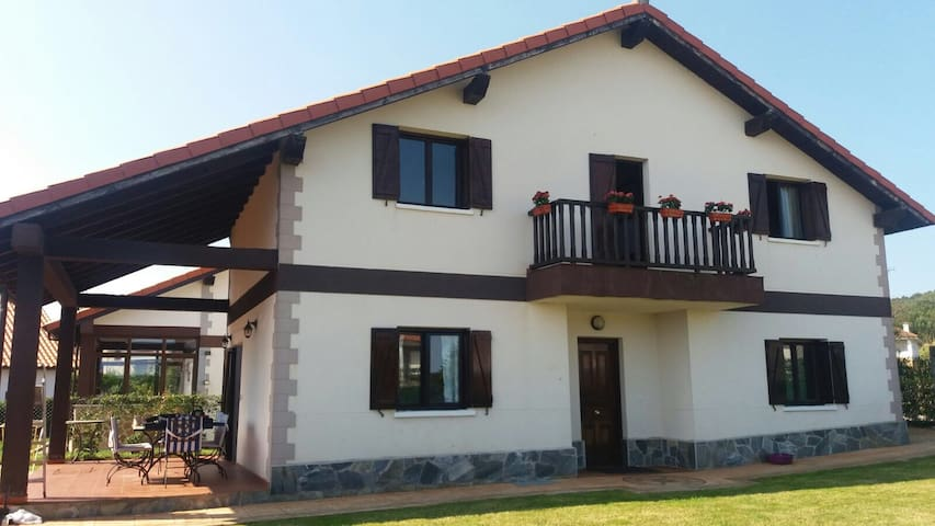 CASA RURAL NOJA / ARNUERO - Arnuero - Casa
