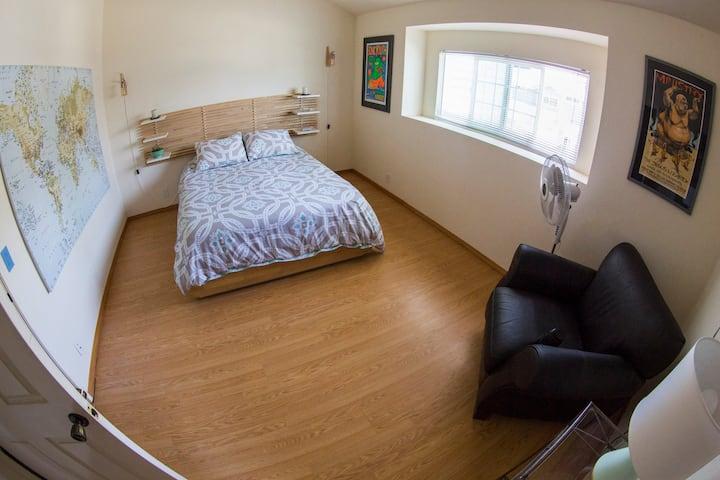 Encinitas Getaway Master Suite for Remote Workers