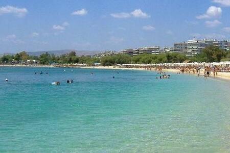 Superhost Beach Penthouse Apt near Athens - Alimos