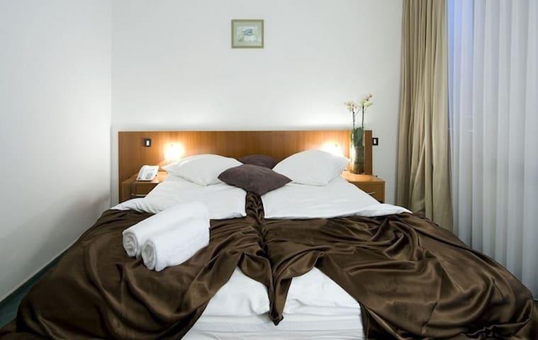 Hotel Terme Jezerčica - Donja Stubica - Pis