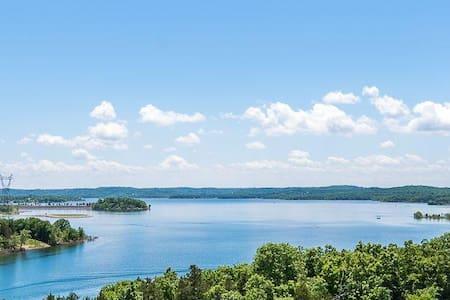 Branson Majestic Table Rock Lakeside Premium View , 6 mins to strip 314
