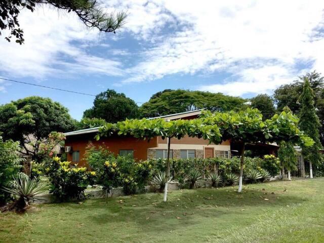 Se alquila Casa en Rio Hato, Santa Clara, Coclé.