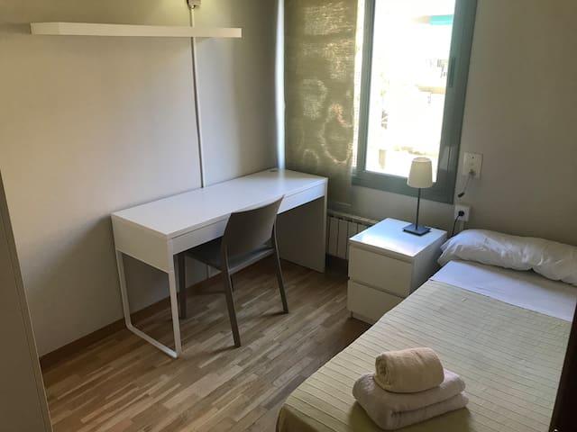 Dormitorio 1pax en apartamento tranquilo
