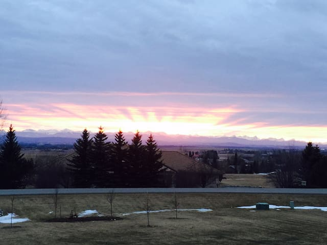 A country estate next to the city - Calgary - Bed & Breakfast