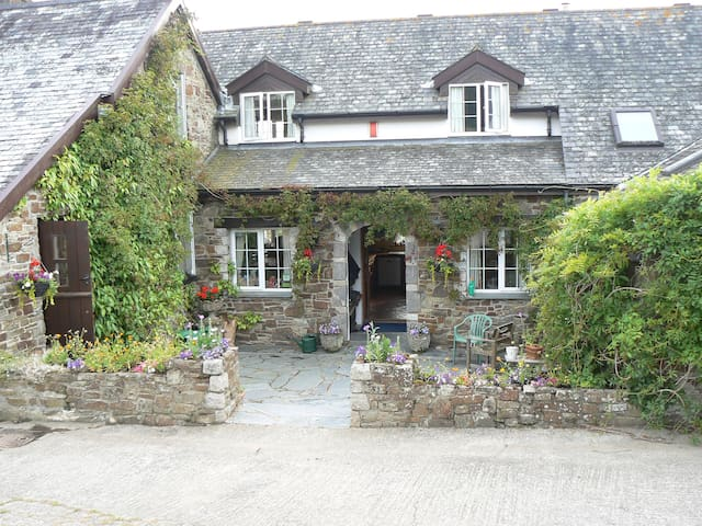 Old Keepers Cottage Garden View - Double Room - Bideford - Bed & Breakfast