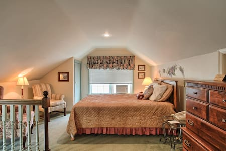 West Ridge Guest House Loft Suite - Elizabethtown - Bed & Breakfast