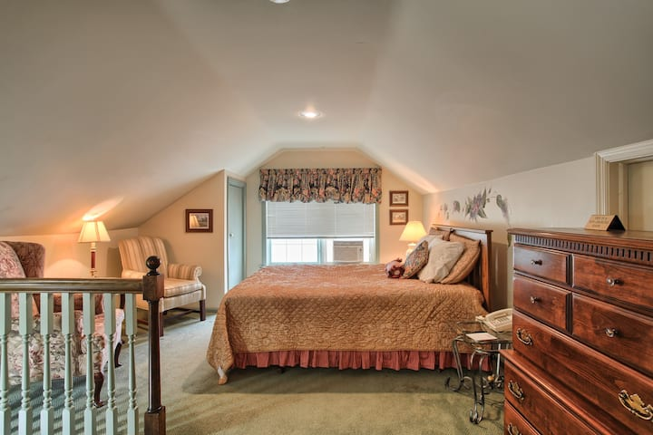 West Ridge Guest House Loft Suite