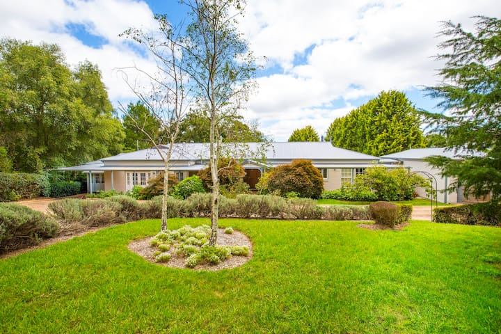 Range Haven-country entertainer with tennis court - Mittagong - Casa