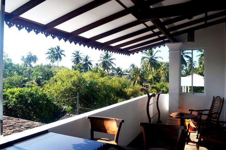 Villa Mihindi - 5 Bedroom Villa -2 Min to Beach.