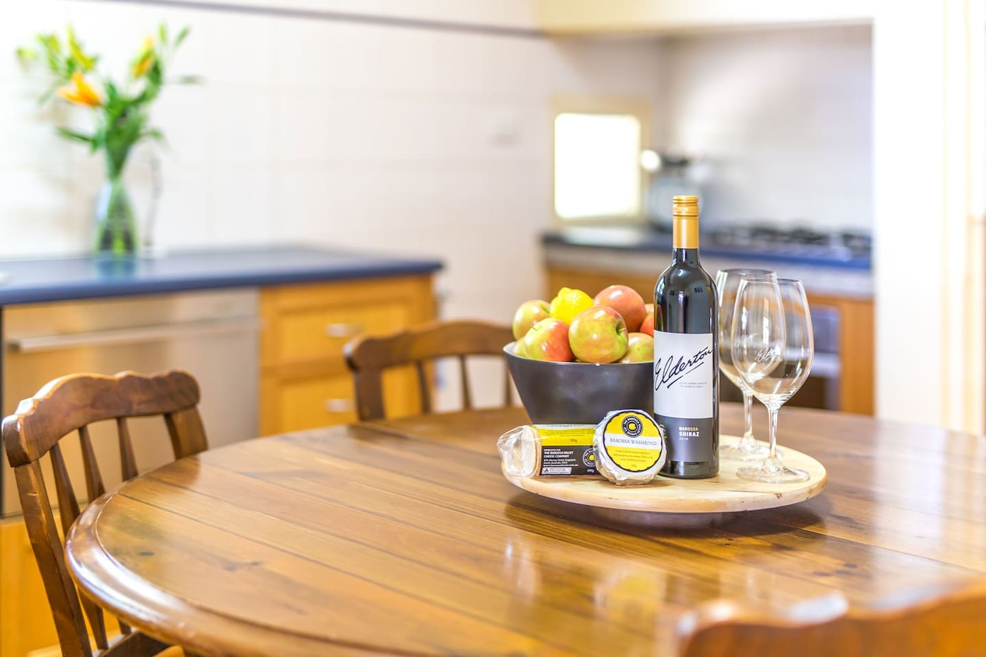 Elderton Wines Guest House - kitchen and dining room